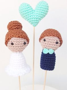 Crochet Dolls, Knit Crochet, Crochet Hats, Crochet Pencil Case, Pen Toppers, Crochet Wedding, Wedding Cake Toppers, My Wedding Planner, Crochet Projects
