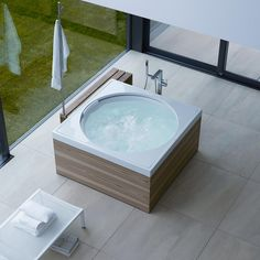 Outdoor whirlpool: The round must go into the square - outdoor - garden - pool - garden . - Outdoor whirlpool: The round must be square – outdoor – garden – pool – garden house – - Outdoor Spa, Outdoor Lounge, Jacuzzi Outdoor, Jacuzzi Bathtub, Whirlpool Bathtub, Duravit, Bath Tub Fun, Bath Tubs, Bathroom Tubs