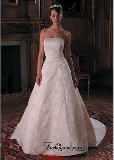 Buy Beautiful Elegant Exquisite Strapless Wedding Dress In Great Handwork Online Dress Store At LuckyGown.com