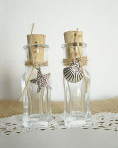 Sand Bottle Wedding Favor for Your Beach Wedding -- Your Choice of Charm -- Set of 100
