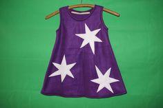 Super süßes Fleece Kleid Überzieh-Kleidchen mit 3 großen Sternen raufgenäht.  Das Kleid ist kuschelig weich und gut zu tragen.  Auf Wunsch können auch noch mehr Sterne raufgenäht...
