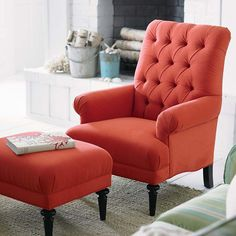 Remarkable Red Living Room Accent Chair Ideas - Home Design Red Living Room Decor, Living Room Accents, Accent Chairs For Living Room, Living Room Furniture, Comfortable Living Room Chairs, Comfortable Accent Chairs, Red Accent Chair, Sophisticated Living Rooms, Home Designer