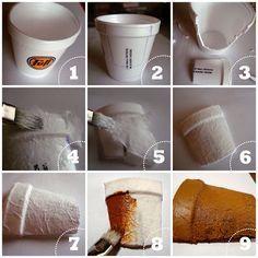 Simular maceta de barro con vaso de telgopor y papel higiénico.