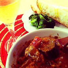 これは美味しそうデスね!このお料理で赤ワイン飲みたいー*\(^o^)/* - 43件のもぐもぐ - トロ~りチーズに有機野菜とチキンの赤ワイン煮込み by tayuko