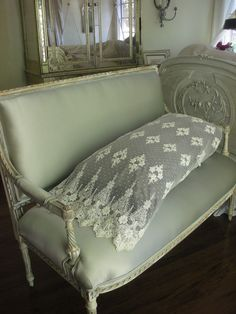 Bella Notte Olivia pillowcase, not antique but goes well with antique ones