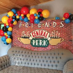 30th Birthday Parties, 20th Birthday, Grad Parties, Friend Birthday, Birthday Party Themes, Friends Cake, Friends Tv, Party Planning, Party Time