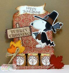 The Cricut Bug: Thanksgiving Snoopy