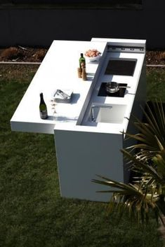 Amazing Outdoor Kitchen Cabinets Ideas in 2019 outdoor kitchen cabinets is. Amazing Outdoor Kitchen Cabinets Ideas in 2019 outdoor kitchen cabinets island drawers, stainless steel modular gard. Modern Outdoor Kitchen, Outdoor Kitchen Cabinets, Outdoor Kitchen Bars, Kitchen Doors, Outdoor Kitchens, Kitchen Cupboards, Kitchen Modular, Island Kitchen, Outdoor Rooms