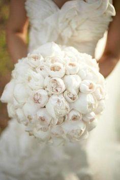joli bouquet mariée pivoine blanc