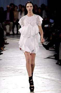 Givenchy Spring 2010 Ready-to-Wear Fashion Show - Mariacarla Boscono (Viva)