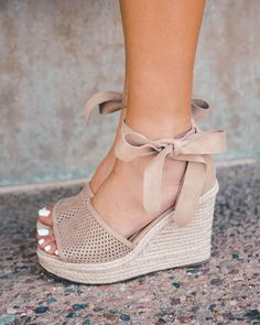 Monroe Taupe Wrap Wedges is part of Shoes - These wedges are to die for! So adorable and so functional, the Monroe Taupe Wrap Wedges can be paired with almost any outfit Featuring selftie ankle ribbon and a peekaboo toe 4 inchheels! Dream Shoes, Crazy Shoes, Me Too Shoes, Wedge Shoes, Shoes Heels, Cute Wedges Shoes, Wedge Sandals Outfit, Shoe Wedges, Wedges Outfit