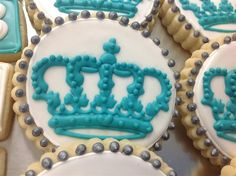 Crown https://www.facebook.com/HayleyCakesAndCookies