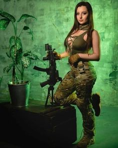 Girls with guns NWS | Page 76 | Yellow Bullet Forums Hunting Girls, Tough Girl, N Girls, Army Girls, Friends Girls, Female Soldier, Military Women, Gi Joe, Girl Photos