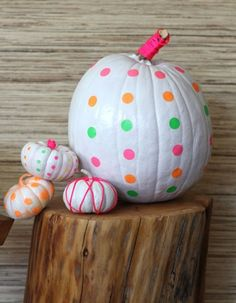 Neon Pumpkins--Cooky Fall Decor  #FallColors #Fall #Homedecor #Home #design #pumpkins #white #polkadots