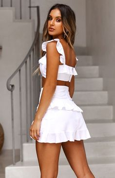 onaka Source by baodinhduong Cute Dresses, Beautiful Dresses, Casual Dresses, Summer Dresses, White Outfits, Dress Outfits, Fashion Dresses, Girls In Mini Skirts, Teen Fashion