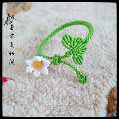 Macrame Rings, Macrame Jewelry, Macrame Bracelets, Macrame Projects, Micro Macrame, Bracelet Tutorial, Cute Crochet, Loom Beading, Crafts For Teens