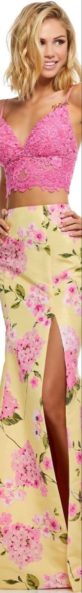 Pink Love, Pink Yellow, Pretty In Pink, Pink And Green, Floral Fashion, Pink Fashion, Colorful Fashion, Fashion Design, Women's Fashion