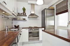 High Resolution Kitchen Inspiration - Kitchen Inspiration: Nuetral Is Nifty Home Design, Kitchen Interior, Kitchen Design, Kitchen Ideas, Round Bookshelf, White Tiles, Kitchen Cupboards, Colour Schemes, Real Wood