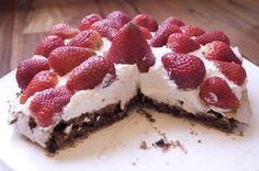 Chocolate Pavlova with Strawberries-a flourless dessert