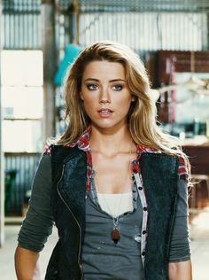 Amber Heard as Piper - Drive Angry