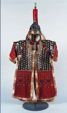 Korean armor. 두석린갑(주로 최고 지휘관용 )용린갑 경부 부사가 입었다고 전하는 이 옷은 갑주(甲胄)로, 두석(豆錫)을 ...
