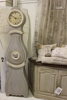 Maison Decor: Maison Decor has floor sized Mora Clocks!