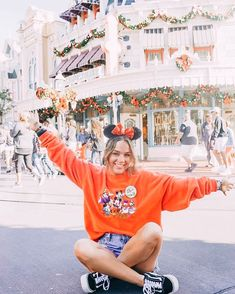 marina + camille on . : * * cant wait to make some merch magic on main street u. stay tuned to Disneyland Photography, Disneyland Photos, Disneyland Halloween, Disneyland Outfits, Disneyland Outfit Summer, Disney College, Disney Day, Disney Girls, Disney Magic
