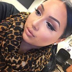 Her makeup is everythiiing!.. I wish my makeup could look like this everyday :)