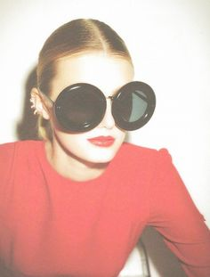 150 Gorgeous Fashion Images to Pin Right Now For when your future is so bright. Cheap Ray Ban Sunglasses, Retro Sunglasses, Sunglasses Sale, Sunglasses Online, Oversized Sunglasses, Circle Sunglasses, Black Sunglasses, Crazy Sunglasses, Sports Sunglasses