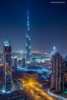 Burj Khalifa in Dubai at night. Dubai is beautiful Amazing Buildings, Amazing Architecture, The Places Youll Go, Places To Go, Beautiful World, Beautiful Places, Dubai City, Dubai Travel, Photos Voyages