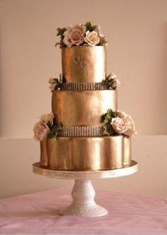 gold cake | LinenTablecloth