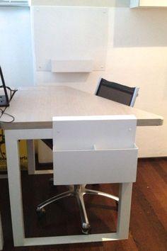 """Desk """"Flight"""""""