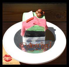 Small candy fondant cake