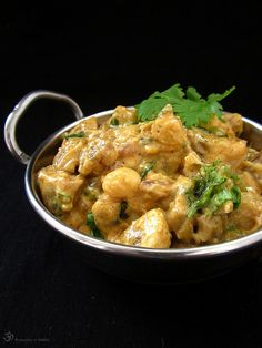 Malai mushroom channe Indie, Thai Red Curry, Stuffed Mushrooms, Vegetarian, Dishes, Chickpeas, Ethnic Recipes, Button, Food