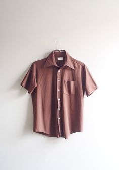 Vintage mens button up shirt / short sleeve collared / retro