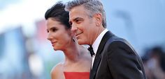 Sandra Bullock & George Clooney hit the red carpet