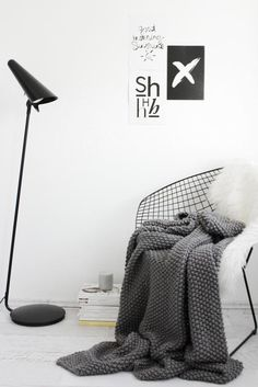 I want a knitted blanket sooo much!! Bertoia chair, Stylizimo.com, FriChic