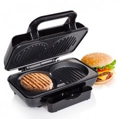 Make burgers at home with the Tristar GR2843 hamburger grill! Practical, fast and convenient. Non-stick plates, drip tray and protection against overheating. Stainless steel exterior. Easy to clean. Capacity for 2 burgers...