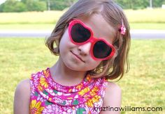 girls+heart+shaped+sunglasses+++girls+lolita+heart+sunglasses+++girls+top+accessory+trends+2013+++little+girls+summer+style.JPG2.JPG3.JPG 640×446 pixels
