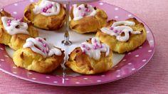 MatPrat - Lettvinte wienerbrød (vannbakkels) Coffee Bread, Cheesecake, Muffin, Eat, Breakfast, Food, Cakes, Cheesecake Cake, Breakfast Cafe
