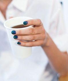 Blue Nails. Beauty last trends.