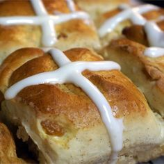 """Pull-Apart Hot Cross Buns 