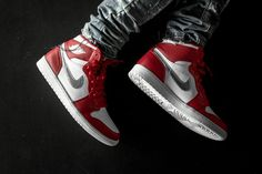 """The Air Jordan 1 Retro High """"Silver Medal"""" Is Primed for Release: The second Olympic-themed colorway. New Nike Air, Nike Air Max, Jordan Ones, Popular Sneakers, Air Jordan Sneakers, Sneaker Magazine, Hype Shoes, Fresh Shoes, Jordan 1 Retro High"""