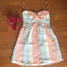 Free People Dress Milticolor ! Spaghetti straps are adjustable . Elastic back and zipper on the side. Light and fun perfect for spring and summer 💗 Free People Dresses Mini