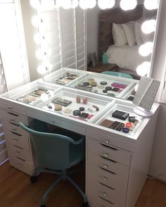 Best makeup vanity absolutely flawless vanity setup from impressions vanity impressions vanity beauty room makeup rooms Rangement Makeup, Vanity Room, Vanity Mirrors, Vanity Set, Vanity Drawers, Glass Top Vanity, Vanity Decor, Diy Drawers, Vanity Bathroom