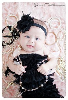 i need one of these outfits for baby girl (newborn baby photography black) Toddler Photography, Newborn Baby Photography, Photography Ideas, Vintage Photography, Sweets Photography, Up Girl, My Baby Girl, Girly Girl, Baby Kind