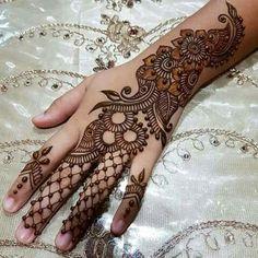 Easy mehndi design for girls hand - mehandi designs - Hand Henna Designs Finger Henna Designs, Arabic Henna Designs, Indian Mehndi Designs, Mehndi Designs For Girls, Mehndi Designs 2018, Mehndi Designs For Beginners, Modern Mehndi Designs, Mehndi Designs For Fingers, Mehndi Design Pictures