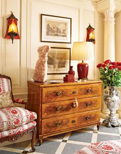 Dorothy Draper & Co., New York apartment. (Adore the sconces, chest and flooring).
