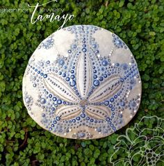 Hand Painted Sand Dollar now available in my shop and ready to ship! Buy your own permanent piece of summer vacation to enjoy year round and bring a little of that sun, sand and surf home!Hand Painted Sand Dollar Beach Art Ocean by ShannonTamayoJewelrybes Seashell Painting, Seashell Art, Seashell Crafts, Beach Crafts, Dot Painting, Stone Painting, Sand Dollar Art, Sand Dollar Tattoo, Sand Dollar Ideas