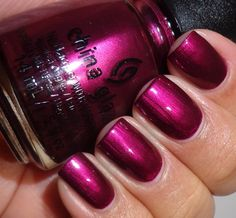 Nail Crave: Raspberry Nails | The Luxury Spot